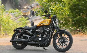 2016-Harley-Davidson-Iron883-Beauty01